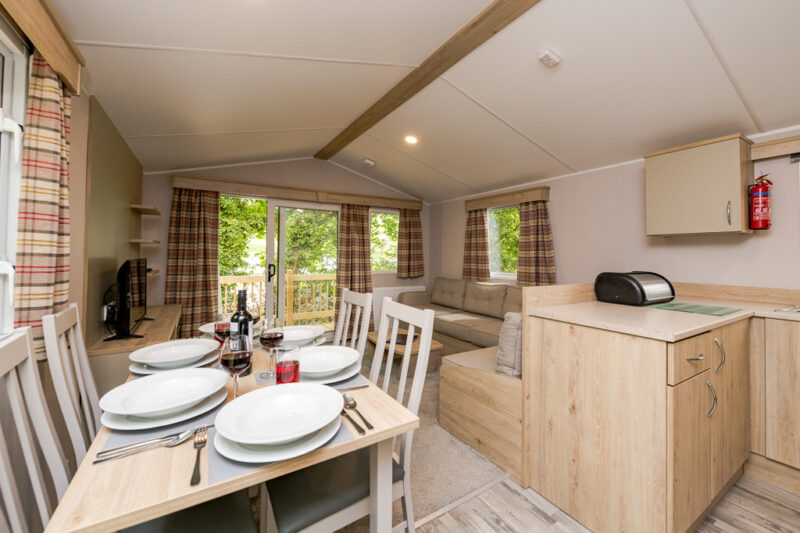 3-bed hire caravan holiday home living and dining area