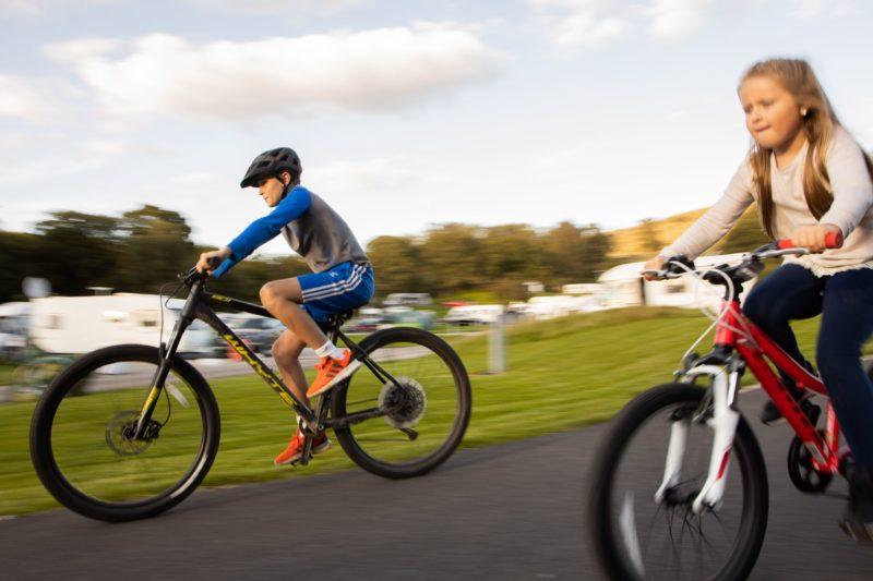 Park Cliffe Lake District Children on bikes