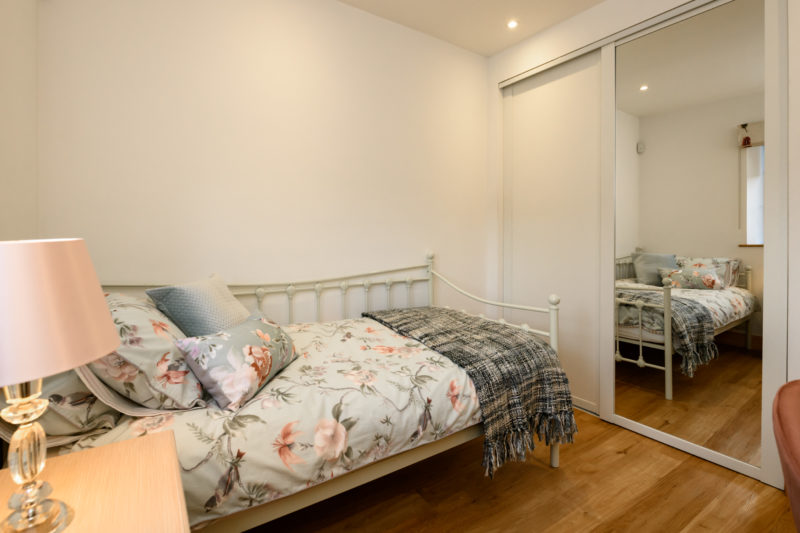 Park Cliffe Self Catering Cottage Bedroom